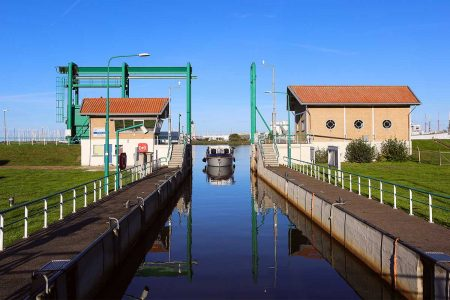 http://onderhoud-bruggen-sluizen-flevoland-Friesesluis